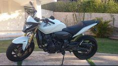 Hornet Honda, Motos Honda, Motorcycle, Vehicles, Wheels, Street Bikes, Male Hair, Creative Crafts, Custom Bikes