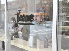 City guide Montréal: Rendez-vous au café Larue & Fils avec Olivier, co-fondateur de Bec Cola, le 1er soda Québécois et bio, qui nous parle de ses valeurs et de son Montréal. Guide, Sodas, Olive Tree, Sons
