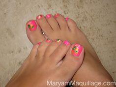 pink & peacocky toenails