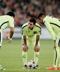 """Suárez - Messi - Neymar Jr. - Messi is like """"really?!"""""""