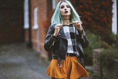 FALL IN LONDON | Vintageena #fashionblogger #fashion #falloutfits #outfit #ootd #vintageena #fblogger #grunge #edgy #drmartens #whattowearthisfall #fall2015 #fallfashion