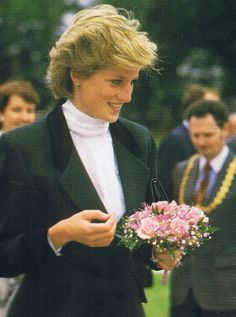 August 27 1986: Diana visits Roxburghe House, a hospice in Dundee, Scotland.  Diana, Patron, Barnardo's, visited a family support center in Dudhope Street in Dundee