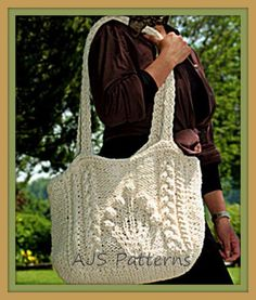 PDF Knitting Pattern for a Easy Knit Shoulder or Messenger Bag | Free Knitting Patterns for Bags, Purses, and Totes at http://intheloopknitting.com/bag-purse-and-tote-free-knitting-patterns/