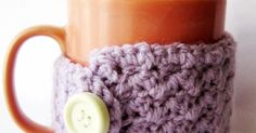 An easy and free crochet pattern to make your own cup cozies!