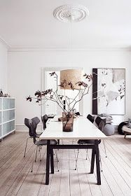 Locate the very best ideas for your minimalist dining-room that matches your style and preference. Surf for amazing photos of minimalist dining-room for inspiration. Modern Dining Table, Dining Table Design, Dining Tables, Dining Room Lighting, Dining Room Chairs, Dining Furniture, Furniture Ideas, Rooms Home Decor, Room Decor