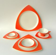 atomic retro dinnerware!