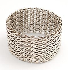 HANS APPENZELLER (1949) - Wide woven silver bracelet, design 1982, execution in own studio, Amsterdam / the Netherlands ca.1995. Diameter: 6.5 cm/ 2.6 inches
