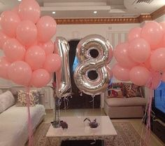45 Splendid Party Table Decor for Seventeenth Girl Birthday Birthday Goals, 14th Birthday, Birthday Bash, Birthday Wishes, Birthday Parties, Birthday Ideas, 18th Party Ideas, Second Hand Fashion, Fiesta Baby Shower
