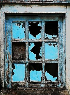 Chief Bromden escapes from the mental ward through a broken window. Broken Window, Broken Glass, Shattered Glass, Old Windows, Windows And Doors, Antique Windows, Vintage Windows, Photo Deco, Peeling Paint