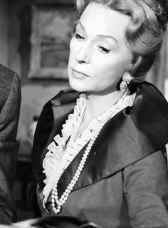 """mildredsfierce: """"""""Agnes Moorehead in Twenty Plus """" """" Agnes Moorehead, Classic Hollywood, Old Hollywood, Jane Eyre Movie, Bewitched Cast, 60s Tv Shows, Bewitched Elizabeth Montgomery, Vincent Price, Famous Photos"""