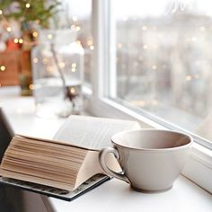 A book, cup of tea and twinkle lights. Book Wallpaper, Pink Wallpaper Iphone, Aesthetic Iphone Wallpaper, Aesthetic Wallpapers, Book Aesthetic, Aesthetic Pictures, Aesthetic Coffee, Cool Pictures For Wallpaper, Coffee Photography