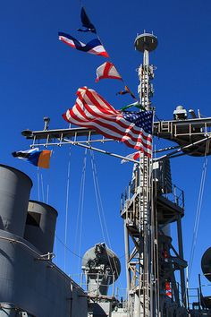 USS Bunker Hill (CG-52), a Ticonderoga class Guided Missile Cruiser ... in Seattle for Seafair 2012. Photo by Norman Graf
