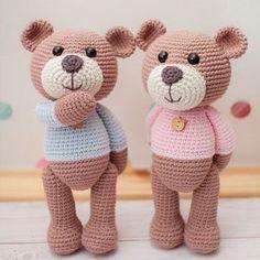 misiekrolisie:: Hmmmm... ;) #crochet #amigurumi #teddies #teddybear #teddybears #teddybearsofinstagram #knit #knitting #knitter #knittersofinstagram #yarn #yarnlover #yarnaddict #virka #ganchillo #häkeln #haken #uncinetto #rekodzielo #rękodzieło #handmade #polska #poland #worldwideshipping #couple #handmadetoys