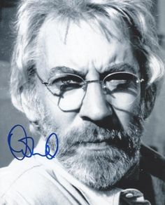 Donald Sutherland in Lost Angels Donald Sutherland, Kiefer Sutherland, Liam Hemsworth, Wearing Glasses, Love Movie, Event Photos, Jennifer Lawrence, Hunger Games, Picture Photo