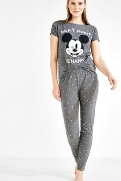 Cute Pajama Sets, Cute Pjs, Cute Pajamas, Girls Pajamas, Pajamas Women, Casual School Outfits, Cute Lazy Outfits, Night Suit For Girl, Girls Fashion Clothes