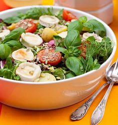 Potatoe and goat cheese salad - Peruna-vuohenjuustosalaatti, resepti – Ruoka. Goat Cheese Salad, Cantaloupe, Potato Salad, Spinach, Salads, Recipies, Fresh, Vegetables, Eat