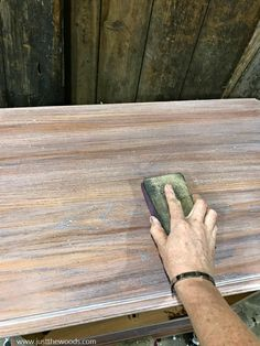 See how to whitewash wood furniture for a gorgeous weathered wood finish. Create the appearance of white wood stain with whitewash paint. Chalk Paint Furniture, Wooden Furniture, Furniture Projects, Furniture Makeover, How To Whitewash Furniture, Waxing Painted Furniture, Whitewashing Furniture, Chalk Paint Chairs, Furniture Repair
