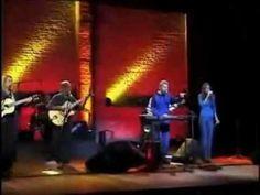 BOSSA ENTRE AMIGOS - Marcos Valle, Roberto Menescal e Wanda Sa - live - YouTube