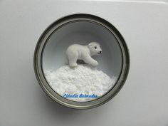Urso polar na latinha de atum