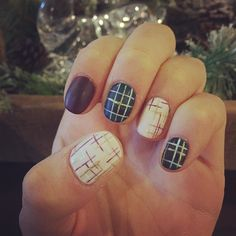 Miss @dallasbeauty_jenna hooked me up with a pretty sweet #plaid #matte and #tweed mani yesterday at @dallasbeautylounge  #nailart #Notd #gelnails #mani  #allplaideverything by laurenoczypok