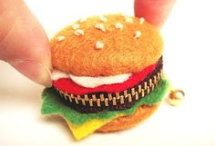 Teeny Tiny ~ Burger coin purse, such detail.