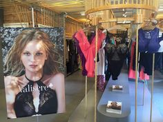 Algumas #valiserelovers já estão conferindo em primeira mão os lançamentos da nossa coleção de verão 2016/17 no nosso press day, aqui na @indexassessoria. Em breve mais novidades! #lancamento #verao2017 #lingerie