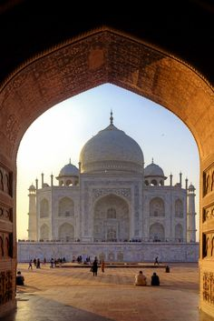 Taj Mahal, India - amazing and stunning, but a freakin' nightmare at the same time. Wonderful Places, Beautiful Places, Beautiful World, Delta Del Okavango, Cool Places To Visit, Places To Travel, Places Around The World, Around The Worlds, Le Taj Mahal