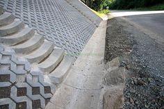 betonové zatravňovací tvárnice svah – Vyhledávání Google Garden Tools, Sidewalk, Google, Yard Tools, Side Walkway, Walkway, Walkways, Pavement