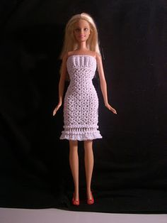 "Crochet for Barbie (the belly button body type): ""Winter Snow"" Barbie dress and cape/wrap - Free pattern Crochet Barbie Patterns, Crochet Doll Dress, Barbie Clothes Patterns, Crochet Barbie Clothes, Knitted Dolls, Clothing Patterns, Doll Patterns, Barbie Dress, Barbie Outfits"