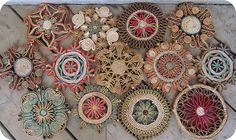 now I have reason to buy those vintage trivets I sele everywhere~love this upcycled floor mat!