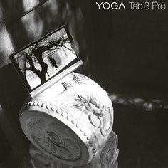 YOGA Tab 3 pro è il nuovo classico nel mondo dei tablet: oltre alla straordinaria qualità video e audio e all'ormai leggendario proiettore integrato, è dotato di un'elegante rifinitura in similpelle e inserti dello chassis in metallo. Una vera opera d'arte! Yoga, Tabata, Video, Metallica, 3, Opera, Rings For Men, Jewelry, Elegant