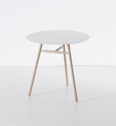 BCN table desing by Harry e Camila for Kristalia #littletable #coffeetable