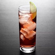 Pretend like you're on your yacht when you mix this one up. Whiskey Drinks, Vodka Cocktails, Refreshing Cocktails, Easy Cocktails, Classic Cocktails, Non Alcoholic Drinks, Yummy Drinks, Cocktail Recipes, Drink Recipes