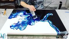 Abstract Canvas Art, Diy Canvas Art, How To Abstract Paint, Abstract Acrylic Paintings, Acrylic Painting Techniques, Diy Painting, Canvas Painting Projects, Flow Painting, Acrylic Pouring Art