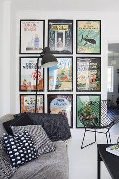 Un mur pour contenter les garçons ! Une déco où les comics et autres héros peuvent trôner dans le salon :) #deco #mur #affiches