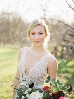 Modern romantic wedding inspiration - magnolia rougemagnolia rouge