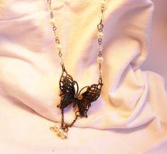 Collier  papillon par SteampAddict sur Etsy, $38.00