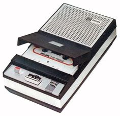 Any Vintage Tape Recorder Collectors on Here? Cassette Recorder, Tape Recorder, Casette Tapes, Analog Devices, Magnetic Tape, Old Technology, Transistor Radio, Record Players, Hifi Audio