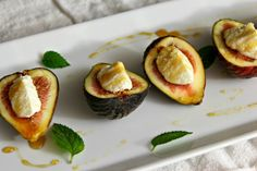 Figs with Ricotta and Honey | saraheatsaustin