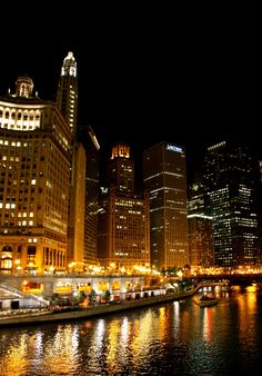 The Chicago River is such an awesome part of this beautiful town!