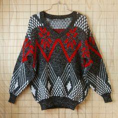 古着80's(80年代)ブラック×ホワイト×レッド(黒×白×赤)総柄Vネックニットセーター