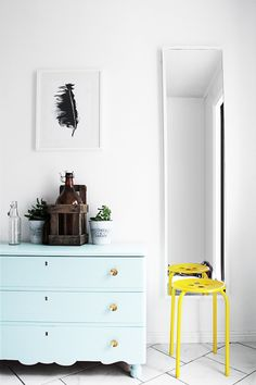 tolle Komode Top 10 DIY Painted Dresser Ideas at Pastel Interior, Ideas Prácticas, Mellow Yellow, Neon Yellow, Mint Green, Aqua, Turquoise, Interior Decorating, Interior Design