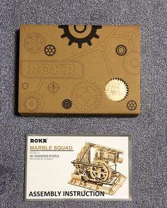 Puzzle en bois 3D Maquette DIY Puzzle mecanique Mecapuzzle DIY  Loisirs créatifs Idée cadeau Puzzle Wooden Puzzles, Laser, 3d, Cards, Creative Crafts, Gift, Maps, Playing Cards
