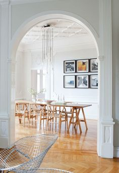 Beautiful classic apartment - via Coco Lapine Design