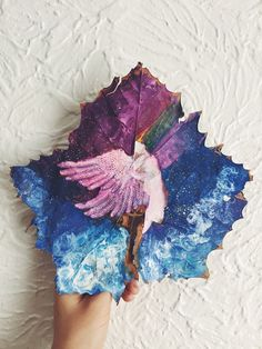 I Paint On Fallen Autumn Leaves Dry Leaf Art, Diy Crafts Life Hacks, The Neon Demon, Feather Painting, Painted Leaves, Painted Feathers, Beautiful Artwork, Autumn Leaves, Fallen Leaves