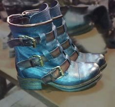 Crushin' for these baby buckle blues....