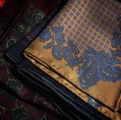 #Passaggiocravatte Vintage pocket-square & vintage scarf. #Vintage #Elegance #Fashion #Menfashion #Menstyle #Luxury #Dapper #Class #Sartorial #Style #Lookcool #Trendy #Bespoke #Dandy #Classy #Awesome #Amazing #Tailoring #Stylishmen #Gentlemanstyle #Gent #Outfit #TimelessElegance #Charming #Apparel #Clothing #Elegant #Instafashion