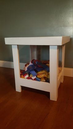 Hey, I found this really awesome Etsy listing at https://www.etsy.com/listing/480450647/white-horse-ribbon-box-table
