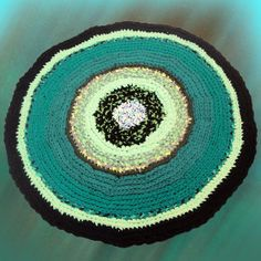 Galina Bannikova. Alfombra verde. Crochet.