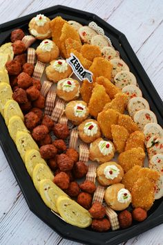 Finger Food Appetizers, Appetizers For Party, Appetizer Recipes, Party Trays, Party Platters, Yummy Food, Tasty, Appetisers, Meat Recipes